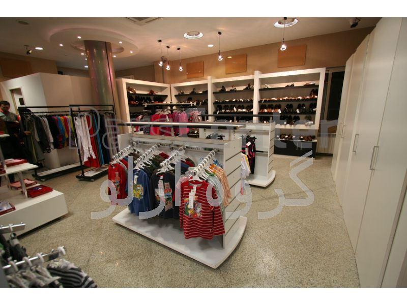 قفسه و استند پوشاک، فروشگاه کبیر لاهیجان 1