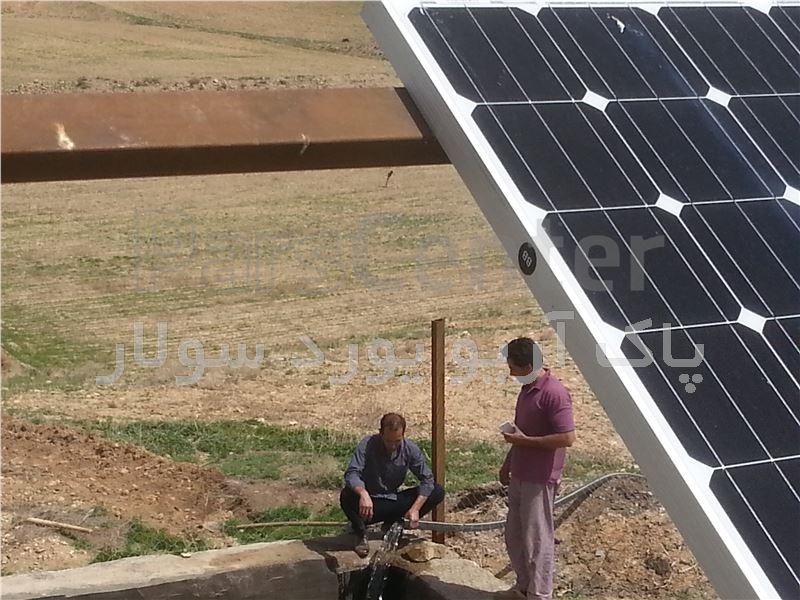 پمپ آب خورشیدی تک فاز(1.5کیلووات 2اسب بخار) 2اینچ    20متر عمق آبدهی 14متر مکعب درساعت(همراه پنل)
