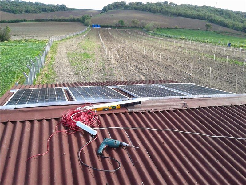 سیستم خورشیدی 700 وات - مدرن افروغ گستران انرژی