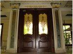 شیشه تزیینی و دکوراتیو استیندگلس ( تیفانی )برای درب ورودی چوبی سوپر لوکس لابی در پروژه زعفرانیه ، فیروزکوه