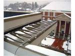 ذوب برف و یخ پشت بام