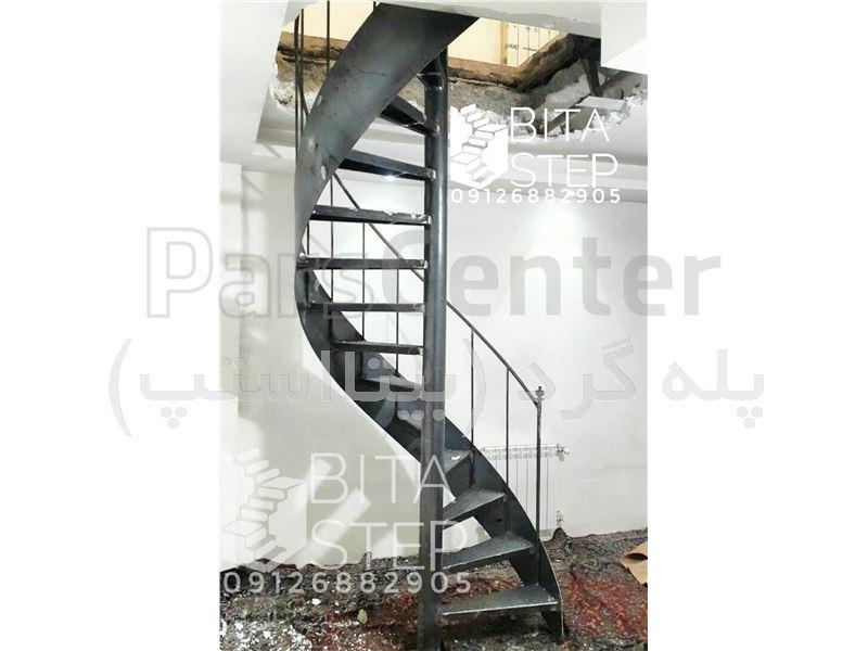 پله گرد مارپیچ ورقی حول لوله با کمترین فضا