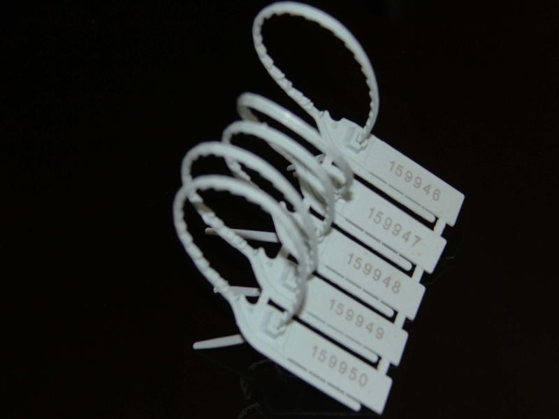 پلمپ تسمه ای پلاستیکی-پلمپ ایمن کاران