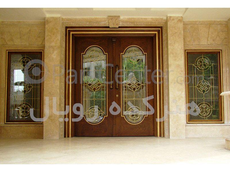 شیشه های تزئینی تیفانی و درب چوبی ورودی لابی ، پروژه چیذر