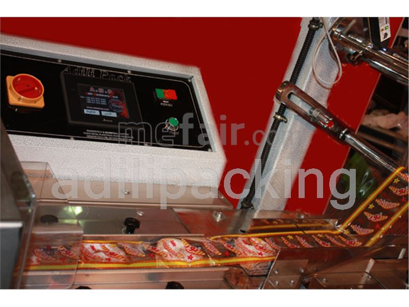 Cakes and cookies and chocolate packaging machine
