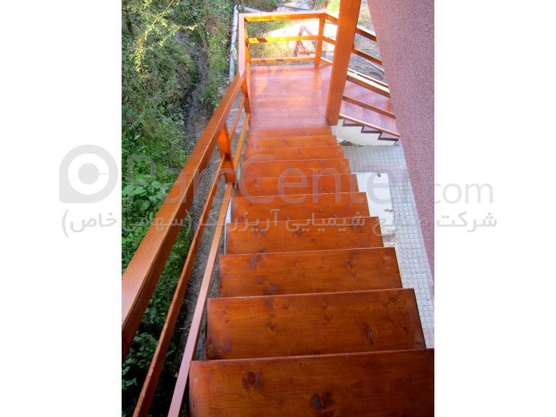 پله و نرده چوبی
