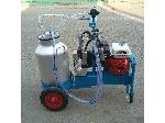 Petrol type cow milking machine
