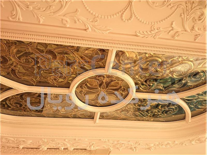 شیشه معرق استیندگلس برای سقف بالای جزیره یا آیلند آشپزخانه در پروژه آجودانیه ، خیابان سپند