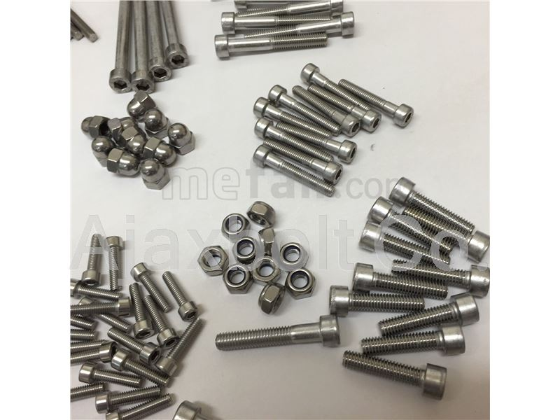 Low grade steel socket cap head screws