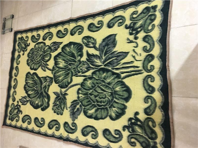کارخانه گل مریم (تولید پتو سربازی وپتو نمدی و پتو مینک )