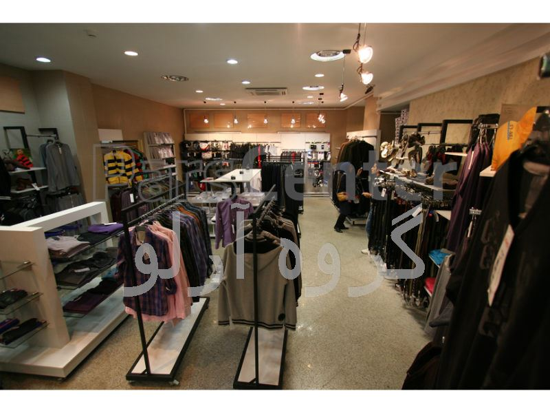 قفسه و استند پوشاک، فروشگاه کبیر لاهیجان 2