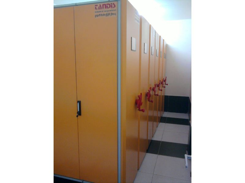 بهسازکاران صنعت تندیس تولید کننده تجهیزات قفسه بندی و لوازم بایگانی