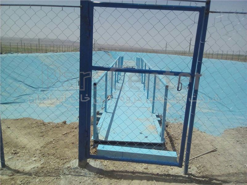 اجرای استخر کشاورزی دکتر لاریجانی با ورق ژئوممبران در گرمسار