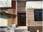 شیشه تزیینی و دکوراتیو تیفانی ( استیندگلس )برای درب ورودی چوبی و شیشه خور منزل ویلایی در پروژه کوی صنعتی ، استان اراک