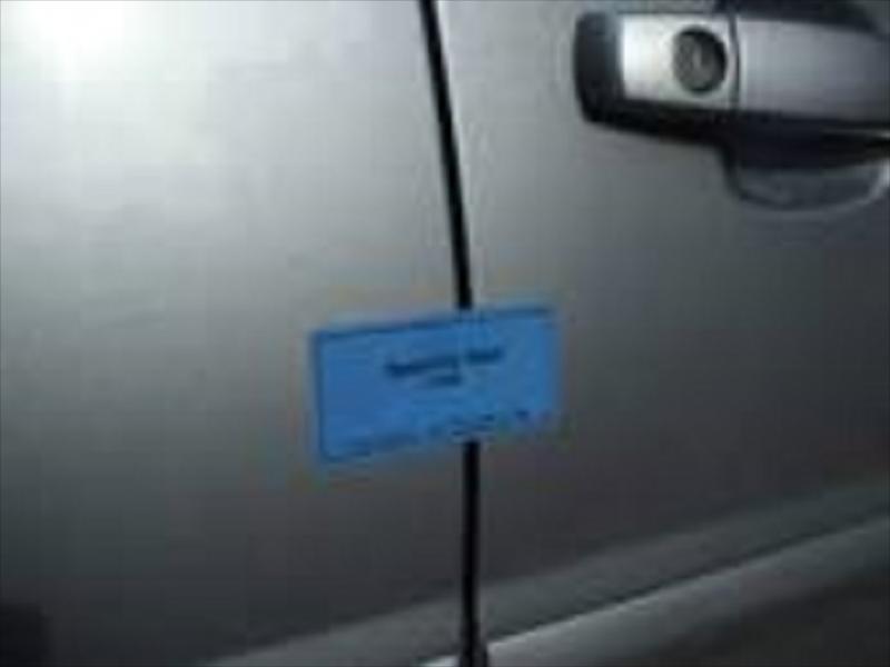 لیبل با پیعام مخفی استاندارد درب خودرو - شرکت ایمن کاران