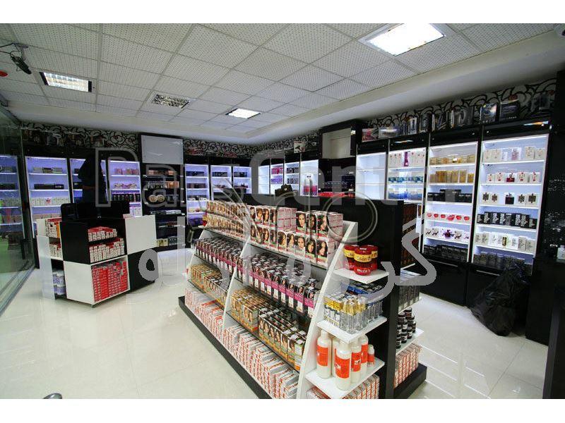 تجهیز فروشگاه حامی کالا شعبه مشهد- دکوراسیون فروشگاهی، آرایشی بهداشتی