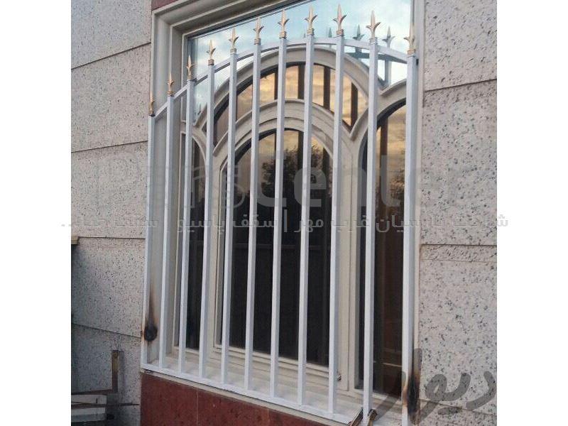 حفاظ و نرده ساختمان