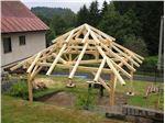 الاچیق و کلبه چوبی