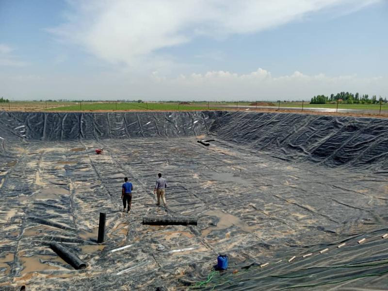 ساخت استخر ذخیره آب کشاورزی - شریف آباد