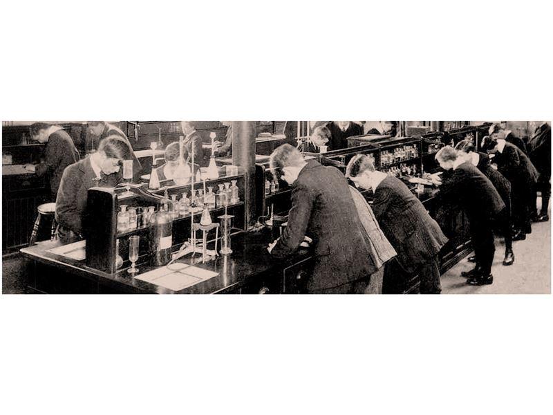 کسری شیمی (تجهیزات آزمایشگاهی ، صنعتی ، طبی ، شیمیایی  و ابزار دقیق)