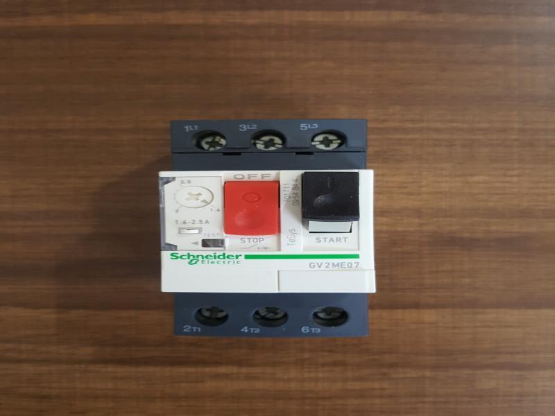 کلید حرارتی (CIRCUIT BREAKER) مارک اشنایدر