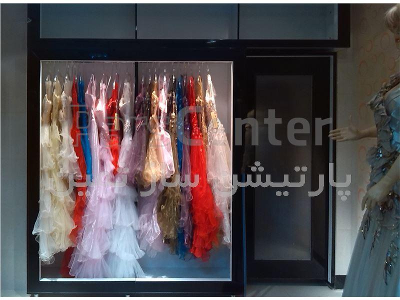 دکور فروشگاه لباس مجلسی زنانه