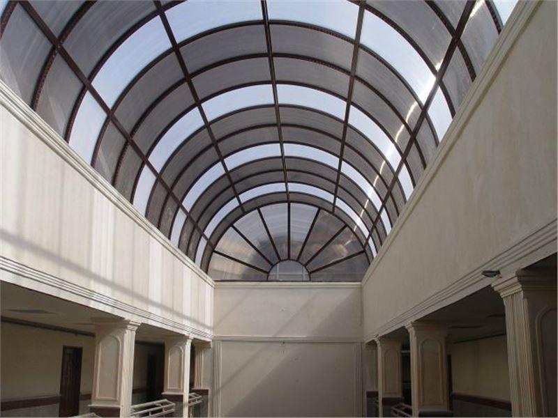 پوشش کار تهران (اجراءسقف پاسیو، سقف استخر، نورگیر حبابی، سقف پارکینگ، نورگیر پاسیو، پوشش پلی کربنات و سقف حیاط خلوت)
