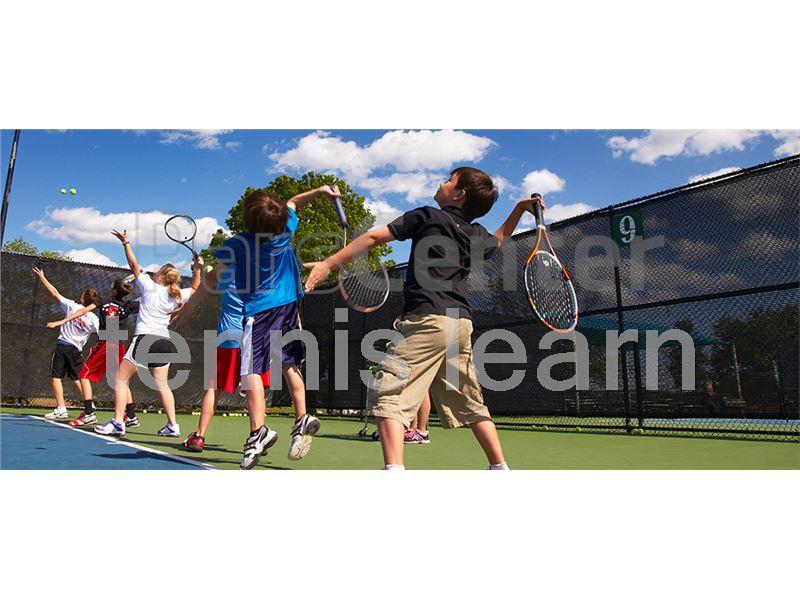 آموزش نیمه خصوصی و خصوصی تنیس خاکی در تهران برای بانوان