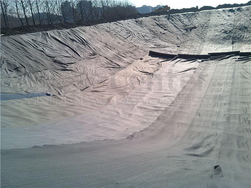 پایدارسازی دیواره های استخر ذخیره آب با مش های پلیمری، باشگاه دیپلمات وزارت امور خارجه
